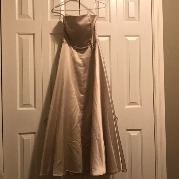 * Last chance price drop* Le chateau prom gown